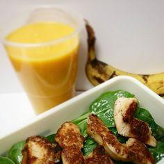 ¿Qué comemos hoy? Vasito calabaza y zanahoria trituradas, pollo a las finas hierbas con espinacas y plátano (potasio a tope!!!)  A trabajar un poquito más y luego a disfrutar de mis pekes ¡VIVA LA PRIMAVERA!  ¡Feliz tarde!  #cocinafit #cocinafitness #cocinasaludable #comidasana #fitfam #fitfood #fitnessrecipes #fitrecipes #foodie #foodporn #healthychoices #healthyfood #healthymeals #healthyrecipes #instablogger #instafit #instafood #recetasfit #recetasfitness #recetassal...