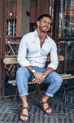 Teva Mens Sandals, Casual Shirts For Men, Men Casual, Mens Beach Shoes, Barefoot Men, Male Fashion Trends, Mens Flip Flops, Male Feet, Mens Fashion Suits