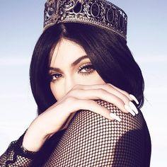"FashionPhotographyAppreciation on Instagram: ""Kylie Jenner (@kyliejenner) photographed by Sasha Samsonova (@sashasamsonova). Stylist: @monicarosestyle   Hair: @jonathan_colombini   Makeup: @styledbyhrush."""