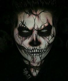 Can't wait for Halloween! 22 Awesome Halloween Baby Costumes – Oh My GooGooGaGa Creepy Halloween Makeup, Creepy Makeup, Clown Makeup, Skull Makeup, Costume Makeup, Halloween Cosplay, Makeup Art, Halloween Face Paint Scary, Scary Face Paint
