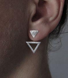 Ohrstecker TRIANGLE aus 925er Silber  Diese Ohrstecker können auch ohne den Aufsatz getragen werden, also nur als kleines Dreieck.