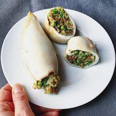 Spelt and peas stuffed squids! Because #springiscoming! #mangiaresano #mangioquindisono #healthy #healthyfood #healthylunch #healthychoices #eatwell #eatclean #cleanrecipes #befit #instafood #instagrammarecibo #squid #spelt #peas #calamari #piselli #farro #calamariripieni #dairyfree #senzalatticini #pescetariano #spring #eatforabs #diet #diet #light #food #foodphotography #fitfoodie