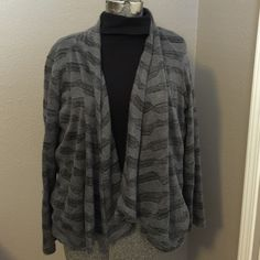 Grey/black open front cardigan Grey/black open front cardigan.  Worn but still in good condition.  Wear over turtleneck, cami, etc.  Women's large, machine wash. (turtleneck shown is not included) Sag Harbor Sweaters Cardigans