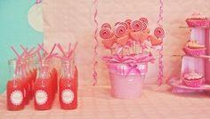 Dulce fiesta de cumpleaños en tonos rosas