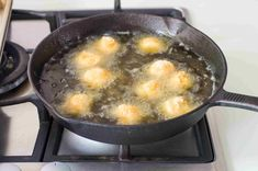 These fried scallops are coated with seasoned flour and bread crumbs and deep fried to perfection. Deep Fried Scallops Recipe, Seafood Dishes, Seafood Recipes, Homemade Tartar Sauce, Remoulade Sauce, Dry Bread Crumbs, Skillet Cooking, Pan Sizes, Creole Seasoning