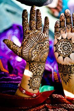 henna mehndi designs collection in summer Mehndi Tattoo, Henna Tattoo Designs, Henna Mehndi, Henna Art, Mehendi, Henna Tattoos, Paisley Tattoos, Tattoo Ideas, Henna Mandala