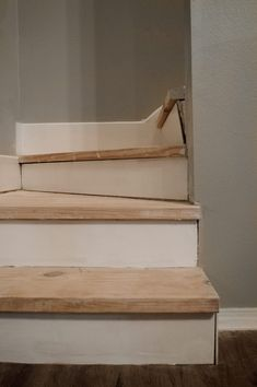 Unfinished Staircase Makeover - The Fogue Abode Blog Staircase Makeover, Staircase Ideas, Removing Carpet From Stairs, Home Projects, Projects To Try, Basement Ideas, Sweet Home, Bedrooms, Shelves