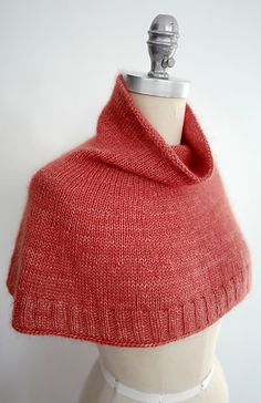 Ravelry: Bonjour Hi pattern by Espace Tricot Caplet Pattern, Capelet Knitting Pattern, Knitted Capelet, Knit Cowl, Knitting Patterns Free, Free Knitting, Ravelry, Cowl Scarf, Finger Weights