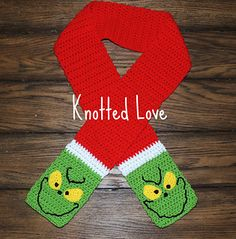 Grinch scarf pattern by Tina St Pierre Because even the mean ones need to stay warm this winter ; Knit Or Crochet, Crochet Scarves, Crochet For Kids, Crochet Crafts, Crochet Baby, Crochet Projects, Crochet Beanie, Crochet Shawl, Crotchet
