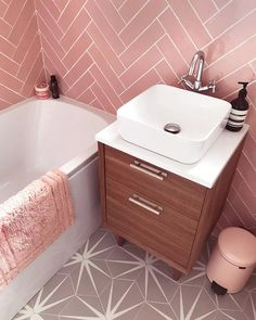 16 Pink Bathroom Ideas