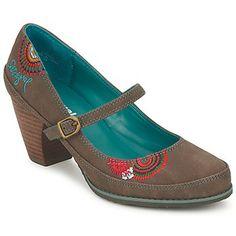 zapatos tacón bajo y ancho