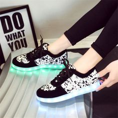 led Fashion Men Shoes Comfortable led Casual Shoes Men 2017 Breathable light up Shoes Man Trainers zapatillas zapatos hombre