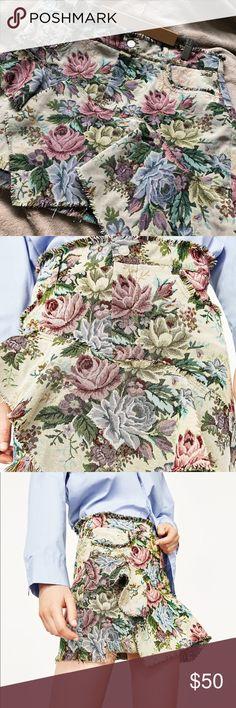 NWOT Zara Floral Mini Skirt NWOT. Size Large Zara Skirts Mini
