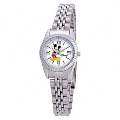 Top off any outfit with this fashionable silver alloy watch with a quartz movement and analog time display display. This classy casual Mickey Mouse & Friends timepiece comprises an analog time display. Silver Hoop Earrings, Silver Charms, Silver Ring, Earrings Uk, Mickey Mouse Watch, Minnie Mouse, Silver Jewelry Cleaner, Metal Bracelets, Silver Bracelets