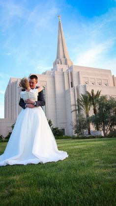 Great shot of the temple in the background.  #GilbertTempleWeddings, LDS Temples,