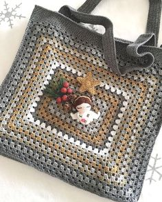 Transcendent Crochet a Solid Granny Square Ideas. Inconceivable Crochet a Solid Granny Square Ideas. Crochet Purse Patterns, Crochet Motifs, Crochet Tote, Granny Square Crochet Pattern, Crochet Handbags, Crochet Squares, Crochet Purses, Crochet Granny, Crochet Gifts