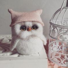 Купить совушка в шапочке игрушка из шерсти - белый, белая сова, совушка, совунья, сова игрушка