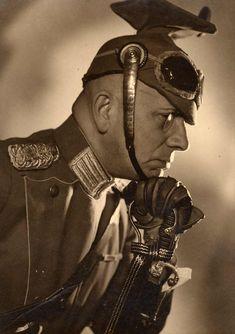 Erich von Stroheim in Marthe Richard au Service de la France (1937)