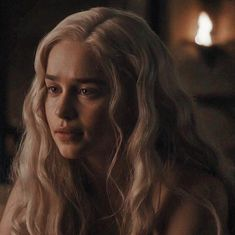 Mother of dragons game of thrones gifts Emilia Clarke Daenerys Targaryen, Game Of Throne Daenerys, Daenerys Targaryen Aesthetic, Game Of Thrones Quotes, Sombra Lunar, Game Of Thrones Wallpaper, The Mother Of Dragons, Rock Poster, Winter Is Coming