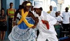 """Música Cubana: La Rumba, contagiosa danza folclórica afrocubana. La """"Isla de la música"""" llaman algunos a Cuba por la confluencia de ritmos y bailes que tienen su origen en la mezcla de culturas que llegaron hasta este lugar del trópico caribeño."""