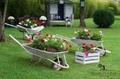 stunning spring garden ideas for front yard and backy Patio Garden Ideas On A Budget, Diy Garden Decor, Garden Crafts, Garden Projects, Garden Art, Garden Tools, Unique Gardens, Rustic Gardens, Back Gardens
