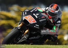 Sam Lowes of Great Britain and Aprilia Racing Team Gresini rides during 2017 MotoGP pre-season testing at Phillip Island Grand Prix Circuit on February 15, 2017 in Phillip Island, Australia.  (Photo by Robert Cianflone/Getty Images)
