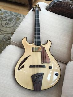 "* MATT ARTINGER guitars ~ ""BLONDIE"" model shown ~ Here is his web link > http://www.artingerguitar.com/default.aspx ~ The link below is NOT the website, just another Pinterest page ..."
