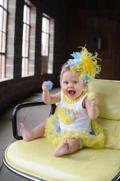 Hey, I found this really awesome Etsy listing at http://www.etsy.com/listing/95081639/yellow-and-blue-easter-chick-m2m-mud-pie