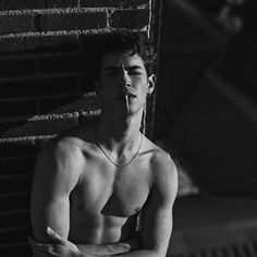 Men in Vogue: Photo Beautiful Boys, Pretty Boys, Grunge Guys, Bad Boy Aesthetic, Boy Photography Poses, Man Photo, Hot Boys, Handsome Boys, Cute Guys