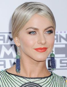 Julianne Hough at the 2015 American Music Awards. http://beautyeditor.ca/2015/11/24/american-music-awards-2015