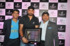 Mr. Biren Vaidya and Arjun Vaidya felicitate Harbhajan Singh with a plaque commemorating 101 test matches, 413 wickets, 229 one day & 259 wickets at Rose - The Watch Bar