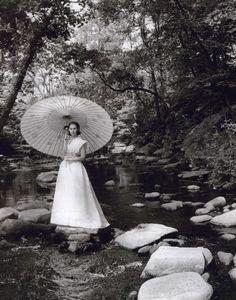 Gloria Vanderbilt photographed by Toni Frissell