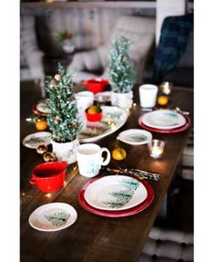 VIETRI Lastra is a collection of beautiful hand crafted dinnerware made in Italy. Shop Italian plates, bowls, platters, utensils, and serveware today. Thanksgiving Table Settings, Christmas Table Settings, Christmas Tablescapes, Christmas Centerpieces, Holiday Tables, Christmas Candles, Christmas Decorations, Table Decorations, Purple Christmas Tree