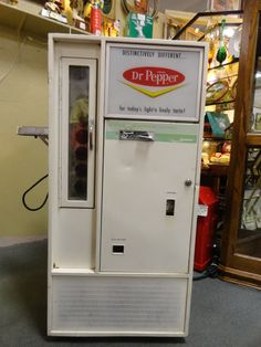 Soda Machines, Vending Machines, Coke Cooler, Coke Machine, Old Gas Stations, Pepsi Cola, Vintage Candy, Gumball Machine, Mountain Dew