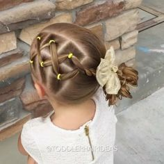 "1,145 Likes, 28 Comments - Cami 🎀 Toddler Hair Ideas (@toddlerhairideas) on Instagram: ""•VIDEO• Side criss-crosses, a rope twist, and a messy bun! Another super quick school style!"""
