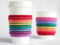 Best DIY Rainbow Crafts Ideas - Crochet Rainbow Cup Cozy - Fun DIY Projects With Rainbows Make Cool Room and Wall Decor, Party and Gift Ideas, Clothes, Jewelry and Hair Accessories Crochet Coffee Cozy, Coffee Cup Cozy, Crochet Cozy, Crochet Gratis, Diy Crochet, Coffee Girl, Coffee Latte, Hot Coffee, Coffee Cozy Pattern