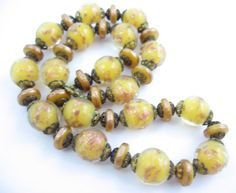 Yellow-Inside-Clear-GLASS-Coppery-GLITTER-BEADS-NECKLACE-Vintage-Disks-Rounds
