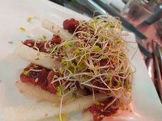 [I Ate] Yukhoe Raw Korean Beef With Korean Pear. (육회) http://ift.tt/2dWCPEY