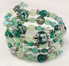 Beaded Bracelet LIME LICIOUS Glass Beaded Memory by curlynetto