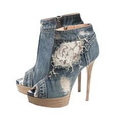 Denim Pointed Heels - These Denim Pointed Heels are perfect for a night out on the town! - Found at myWebRoom.com
