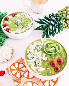 Yummy Kale Kiwi Smoothie Bowls!