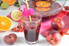 sangria rouge aux pêches http://turbigo-gourmandises.fr/sangria-rouge-peches-nectarines/