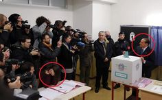 E' già un'eroina del web la scrutatrice che non sorride a Berlusconi