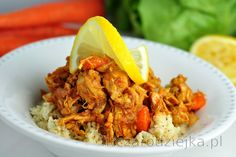 """Prepare this tasty fitness lunch or dinner full of protein, with a low carbohydrate content - chicken breasts with carrot and cauliflower """"rice"""". Rice was in this recipe replace. Low Carb Chicken Recipes, Low Carb Recipes, Healthy Recipes, Janta Low Carb, Desserts Sains, Cauliflower Rice, Tofu, A Food, Food Processor Recipes"""