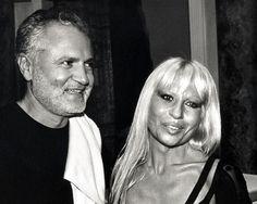 Gianni et Donatella Versace http://www.vogue.fr/thevoguelist/versace/283