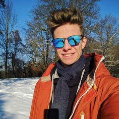 Andreas Wellinger, Ski Jumping, Skiing, Mirrored Sunglasses, Jumpers, Volleyball, Celebrities, Instagram Posts, Men