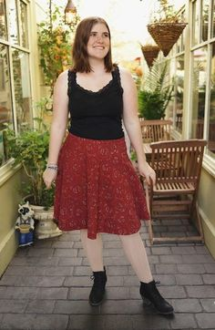 Don't spend time stressing over complicated sewing projects and design a simple and chic skirt that's perfect for spring with this sewing tutorial. This Easy Half Circle Skirt is a great sewing tutorial that teaches you how to draft a skirt pattern.