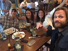 Jensen,Danneel,Genièvre et Jared.