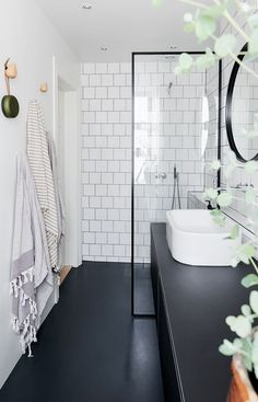 magnificient scandinavian bathroom design ideas that looks cool 22 White Bathroom Tiles, White Tiles, Bathroom Colors, Modern Bathroom, Bathroom Small, Gold Bathroom, Bathroom Mirrors, Bathroom Towels, Bathroom Cabinets