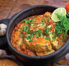 Tocăniţă-de-peşte Food Dishes, Side Dishes, European Dishes, Romanian Food, Romanian Recipes, Top Recipes, Mediterranean Recipes, Fish And Seafood, Delish